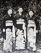 二十歳前の操さん(左).jpg